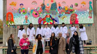Invigning av 10-åringarnas konst på Konstkuben i Regnbågsparken, Fittja 24 oktober 2020