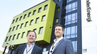 SKYSTRATEGI. IT-sjef Ståle Risem-Johansen (t.v.) får skyhjelp av Sopra Steria og Alf Håvard Iversen. Foto: Melhuus AS
