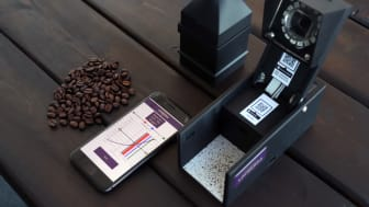 Löfbergs och 3TEMP har utvecklat det första mätinstrumentet i världen som gör det möjligt att med exakthet kontrollera malningsgraden direkt ute på kaffebarer, restauranger och andra ställen.