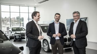 Stig Sæveland (adm. dir. Hedin Automotive), Hallvard Vikeså (påtroppende adm. dir. Bavaria Norge) og Helge Ellingsen (ny adm. dir. Hedin Performance Cars)