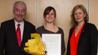 Pristutdelningen skedde på Chalmers under torsdagskvällen. Från vänster: Bert-Inge Hogsved, Malin Ramne, Maria Knutson Wedel.