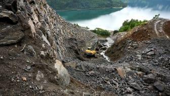 Landslide embankments protect the Loen Skylift on the west coast of Norway. (Photo: NGI)