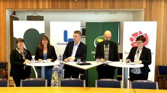 Kommunalråden i Mitt-S-samverkan presenterar sitt budgetförslag för 2022. Från vänster Kerstin Hermansson (C), Anna Svalander (L), Ulf Olsson (S), Tom Andersson (MP) och Ylva Lengberg (S).