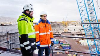 Aren LVIA-projektipäällikkö Jukka Järvinen ja Helsingin kaupungin LVI-projektipäällikkö Erno Sjögren työskentelevät tiiviisti yhdessä Olympiastadionin työmaalla. Historiallisesti arvokas rakennus vaatii monenlaisia erikoisratkaisuja.
