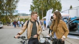 På välkomstmässan har studenterna möjlighet att lära känna Umeå och Umeå universitet lite närmare. Foto: Mattias Pettersson.