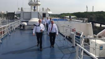 """Maritimer Koordinator Nobert Brackmann an Bord der Scandlines-Hybridfähre """"Deutschland"""""""