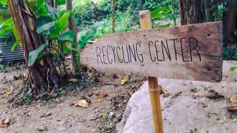 I den lilla byn Katauti Khola i söder om Himalaya har man börjat källsortera avfall och plocka bort det från naturen.