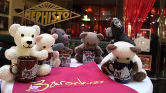 Traditioneller Bärenherz-Weihnachtsbasar in der Mädler-Passage vor der Mephisto-Bar