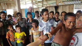 Foto från Clowner utan Gränsers turné i Rakhine, Burma, i juni 2017.