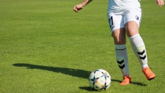 VELUX FONDEN har støtte et projekt, som skal få unge i uddannelse og job gennem fodbold.