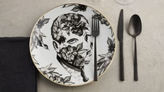 "Perfect Match: the new Sambonet cutlery ""Rock"" in combination with ""Cilla Marea"", the Rosenthal collection by Italian tattoo artist Pietro Sedda."