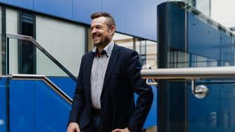 Vesa Sahlmanin mukaan hyvä yrityskulttuuri heijastuu ulospäin ihmisten hyvinvointina. Kuva: Robert Lindström/Presser Oy