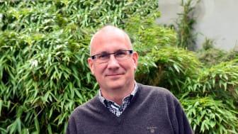 Daniel Wäppling är 50 år och bor i Bromölla. Sedan ett år tillbaka arbetar han som chef för Samhällsbyggnadsförvaltningen i Karlshamns kommun. Den 1 oktober blir han kommundirektör i Karlshamn.