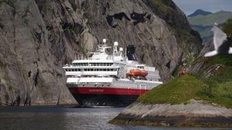 SATSER PÅ NORGE: MS Nordnorge er ett av de syv skipene som skal seile for Hurtigruten Norge mellom Bergen og Kirkenes fra 2021. Foto: ULF HANSSON/Hurtigruten