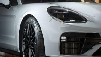 Premiumdäcktillverkaren Hankook kommer att utrusta den senaste modellen av Porsche Panamera med det nya däcket Ventus S1 evo Z för sportbilar i 19 och 20 tum.