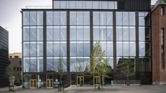 I 2018 flyttede Arkitema i København sit kontor til Dipylon Hus i Carlsberg Byen, et kontor Arkitema selv har stået for transformationen af.