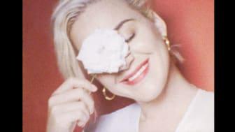 Katy Perry teki Coca-Colan kanssa version Resilient-kappaleesta
