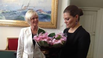 Maria Lundgren på Arvidssons i Fjärås tillsammans med kronprinsessan Victoria