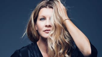 Radiofavoriten Pernilla Andersson på sommarturné med ny musik