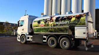 TINE er en av transportørene som nå skal ta i bruk flytende biogass som drivstoff (Foto: TINE).