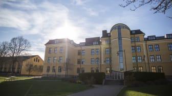 På lördag, 13 mars, är det dags för vårens första högskoleprov. Provet ges på flera orter i Skaraborg och i Skövde kommer provdeltagare skriva provet både i Högskolans lokaler och på Västerhöjdsgymnasiet.