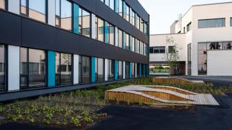 Nordseter skole er totalrehabilitert med nye yttervegger og tak, og pusset opp innvending. Den nye skolen svarer ut kvalitetsprisippene for gode bygg og områder godt. Foto: Undervisningsbygg/Finn Ståle Feldberg.