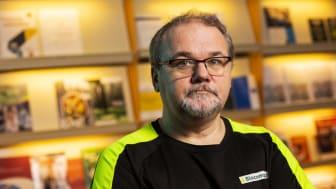 """Företaget Biocompost har en unik metod som förvandlar organiskt avfall till miljövänliga jordprodukter på fem dagar. """"Du får en jättebra kompostering och även näringsfattiga ämnen får ett högre värde som slutprodukt"""", säger grundaren Eric Tjernberg"""