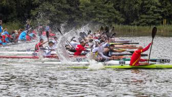Der er masser af skumsprøjt, fart og action, når et VM i kano og kajak maraton skydes i gang - og forhåbentligt bliver det tilskuervenlige mesterskab holdt på Jels Sø i 2023.