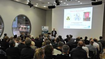 2019 kamen rund 500 Kongressteilnehmer aus ganz Deutschland sowie aus Österreich und der Schweiz, um sich über den Umgang mit Gebäudeschadstoffen zu informieren