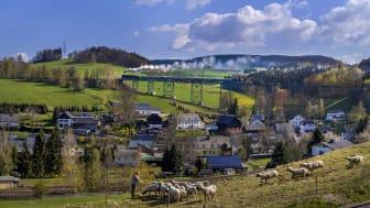 Erzgebirgische Aussichtsbahn auf dem Markersbacher Eisenbahnviadukt