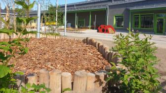 Kreativa utemiljöer som samspelar med naturen tar form vid Strömnäsbackens förskola. Foto: Marie Öqvist