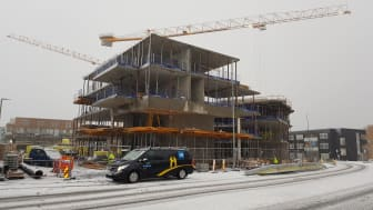 300 år etter sin død æres Trondheims sjøkrigshelt, Peter Wessel Tordenskiold med et svært boligprosjekt på Lade i Trondheim. VB-bedriften Kjells VVS fra Rindal har fått sitt hittil største oppdrag i dette prosjektet som samlet rommer 117 leiligheter.