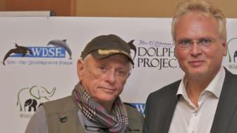 Ric O'Barry (links) und WDSF-Geschäftsführer Jürgen Ortmüller sprechen sich gegen Delfintherapie aus