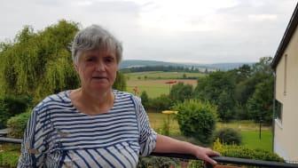 Seit 24 Jahren lebt Ulla Siebert im Marta-Mertz-Haus in Schwalmstadt-Treysa, einem Wohnangebot für Menschen mit Suchterkrankungen der Hephata Diakonie. Seit ihrem Einzug in das Haus ist sie abstinent.