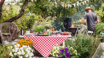 Blomsterfrämjandet tipsar om de små detaljerna som sätter guldkant på grillfesten och gör den till något utöver det vanliga!
