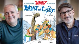 """Bild: omslaget till """"Asterix och Gripen"""" och de två Asterix-skaparna Didier Conrad (tv) och Jean-Yves Ferri (th)."""