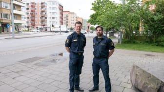 Freddy Nilsson och Tobias Bråhammar, kommunpoliser och i nära samarbete med de båda föreningarna Fastighetsägare Sofielund och Möllevången, Foto Roland Wirstedt