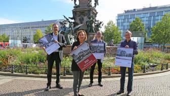 """Präsentation des historischen Kalenders 2021 """"Das alte Leipzig"""" vor dem Mendebrunnen - Foto Andreas Schmidt"""