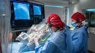 Det första robotassisterade kranskärlsingreppet har under föregående vecka utförts på kardiologiska kliniken på Södersjukhuset