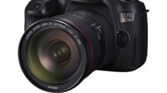 Canon firar förstaplatsen för 13:e året i följd på den globala marknaden för digitalkameror med utbytbart objektiv