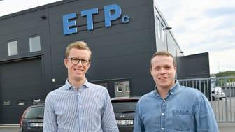Passion och disciplin bakom framgångar. Christer Sigurd, vd, och Emil Westerlind, konstruktionsansvarig på ETP Kraftelektronik AB. Foto: Tommy Holl.