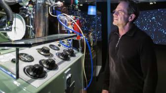 Livevisningar tar Tekniskas nya utställning Hyper Human till en uppkopplad publik.