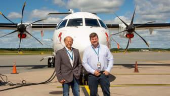 Jon Melkersson och David Sundberg tillsammans med nya familjemedlemmen SE-MDA