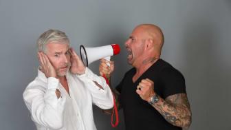 Lärm kann unüberhörbar, aber auch subtil daherkommen – schädlich für die Ohren und die Gesundheit ist er fast immer. Hörakustiker informieren und bieten vorsorgliche Hörtests. Foto: FGH