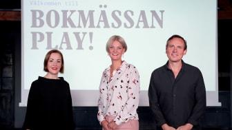 Från vänster: Annica Andersson, redaktör skola och bibliotek, Frida Edman, mässansvarig och Oskar Ekström, programchef, Bokmässan. / Foto: Karina Ljungdahl
