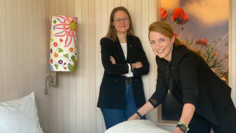 Ines Paulus, General Manager Scandic Berlin (links) und Elena Makos, Housekeeping Manager (rechts)