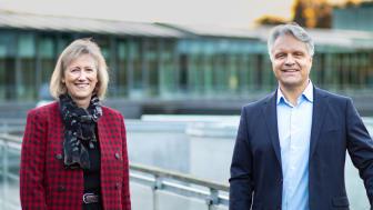Heidi Skaaret, konserndirektør for personmarked i Storebrand og Geir Jostein Dyngeseth, organisasjons- og medlemsdirektør i Coop Norge. Foto: Stian Falk/Storebrand