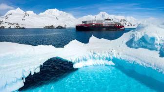 DEPARTING FROM CHILE: MS Roald Amundsen will this season alongside MS Fram again explore Antarctica. PHOTO: Dan Avila/Hurtiruten Expeditions