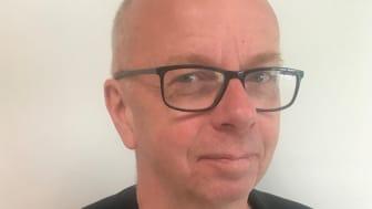 Stefan Ljungdahl, förstelärare på Enbacksskolan i Tensta, har fått Svenska Akademiens svensklärarpris.