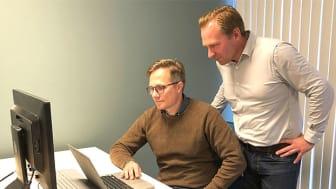 Joakim Gerhardsson (till vänster) och Fredrik Hultström driver tillsammans med Jesper Tiberg Eyetron. Om testerna går bra kommer deras produkt att lanseras på marknaden under hösten.
